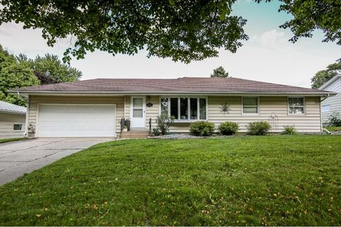 6599 county 30 blvd kenyon mn 55946 home for sale and real estate listing