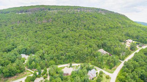 Photo of 970 Pointed Rock Ln, Hixson, TN 37343