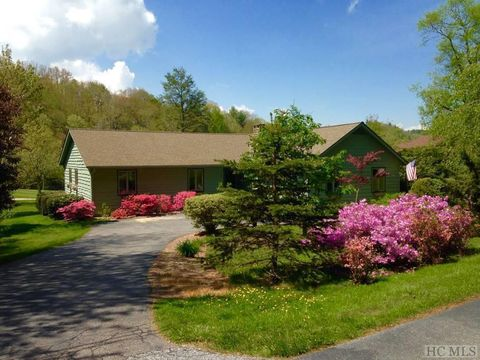 Photo of 1080 Sky Lake Dr, Highlands, NC 28741