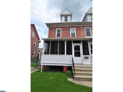 34 4th Ave, Florence, NJ 08554