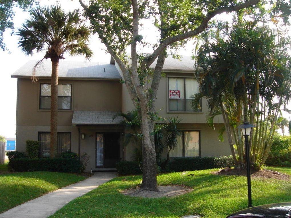 801 Sandtree Dr, Palm Beach Gardens, FL 33403