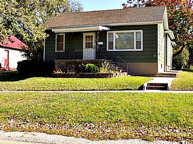 1005 Johnson St Streator Il 61364 Realtor Com