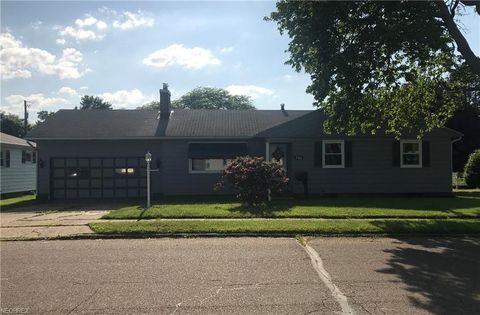 520 Mc Kinley Ave, Newcomerstown, OH 43832