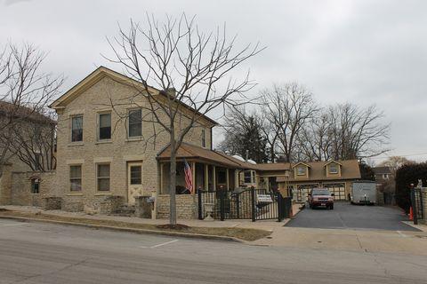316 Cedar St, Saint Charles, IL 60174