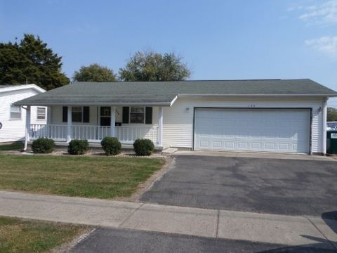408 Nw 1st St, Casey, IL 62420