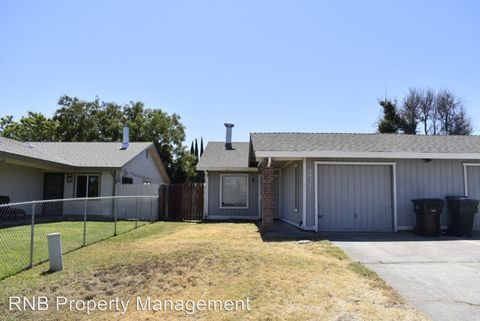Photo of 4034 Renick Way, North Highlands, CA 95660