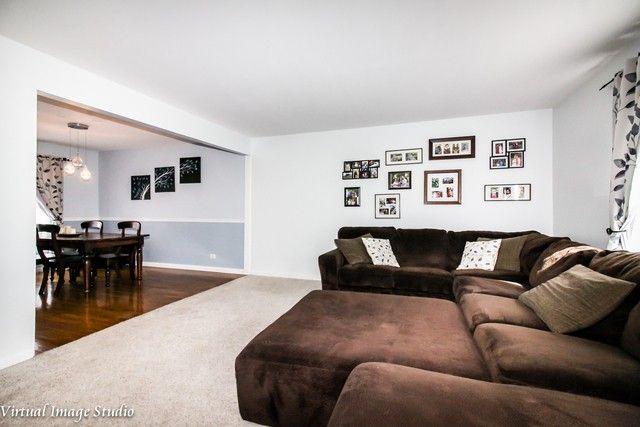 1635 Cumberland Rd, Aurora, IL 60504