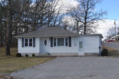 Photo of 607 Park Ave, Fairfield, IL 62837