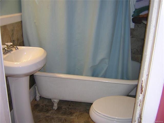 Bathroom Remodeling Ypsilanti Mi 323 s prospect st, ypsilanti, mi 48198 - realtor®