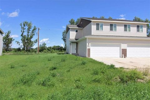 302 5th Ave W, Powers Lake, ND 58773