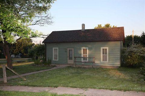 Photo of 103 N Hamilton St, Eustis, NE 69028