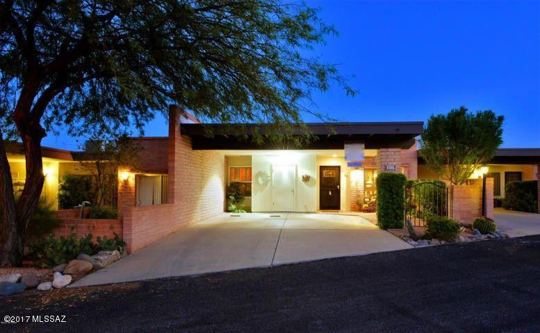 5466 N Arroyo Vista Dr, Tucson, AZ 85718