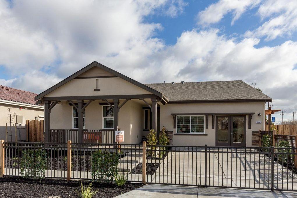 266 Copperleaf Ln, San Juan Bautista, CA 95045