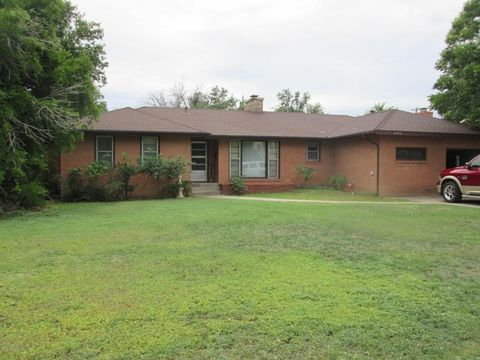 2406 6th Ave, Canyon, TX 79015