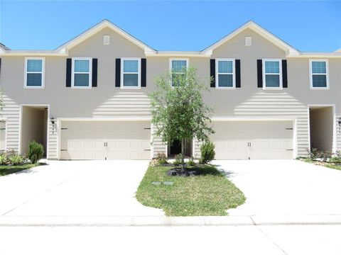 Photo of 204 Autumn Berry Ln, Brookshire, TX 77423