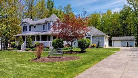Photo of 4429 Persimmon Dr, Girard, PA 16417