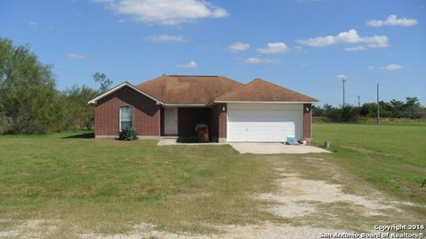 180 Rock Dove Dr, Lytle, TX 78052