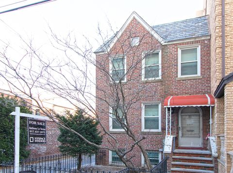 19-11 23rd Ter, Queens, NY 11105