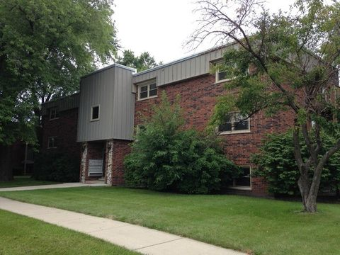 5720 East Ave Apt 3 C, Countryside, IL 60525