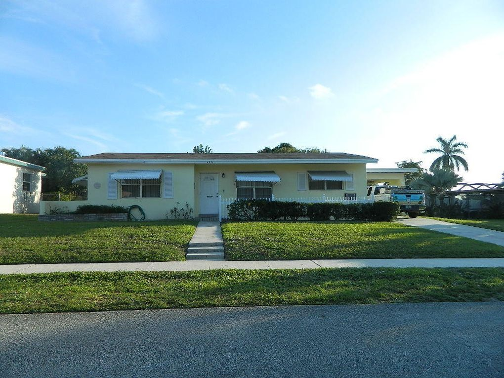 1411 Lake Placid Dr, Lake Worth, FL 33461