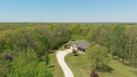 17813 Beaver Lake Rd, Grafton, IL 62037