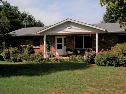 14865 Willow St, Grafton, IL 62037