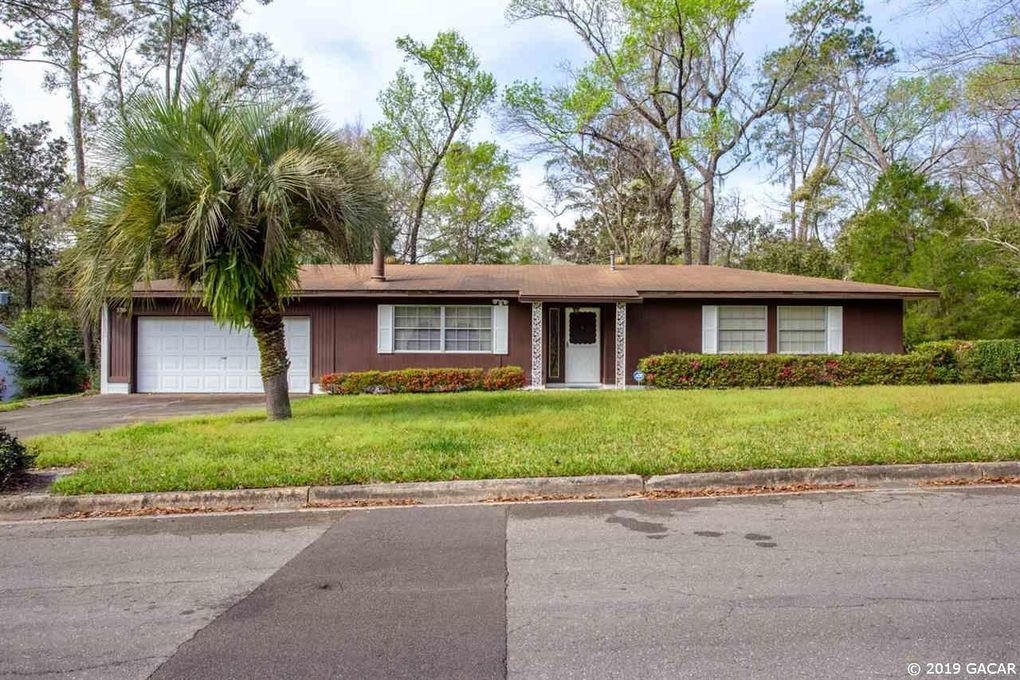 1018 NW 39th Dr Gainesville, FL 32605