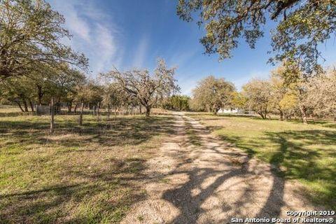 Photo of 367 Diamond J Rd N, Pipe Creek, TX 78063