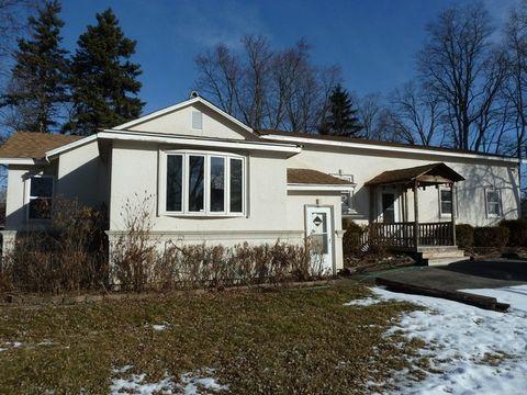 845 S Hough St, Barrington, IL 60010