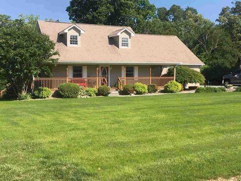 Photo of 952 Holly Oaks Ln, Dandridge, TN 37725
