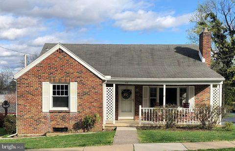 Photo of 418 2nd St, New Cumberland, PA 17070