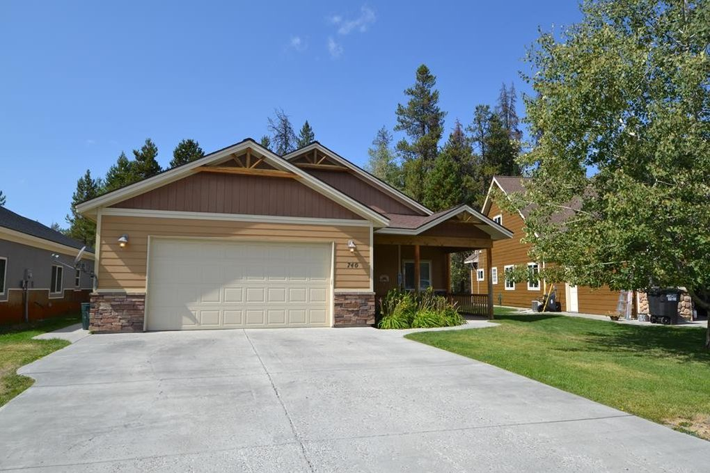 740 Deer Forest Dr, Mccall, ID 83638