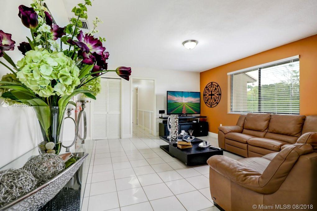 17850 Sw 182nd Ave, Miami, FL 33187
