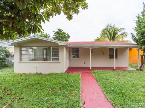 Photo of 2527 Mc Kinley St, Hollywood, FL 33020