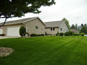 1962 Kamille Ct Waterloo IA 50701