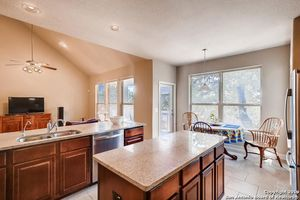 29010 Hobblebush, San Antonio, TX 78260 - Kitchen