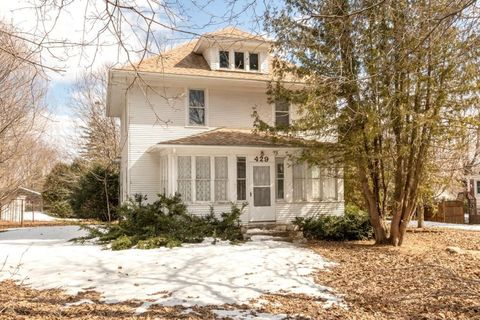 Photo of 429 N Huron Ave, Spring Valley, MN 55975