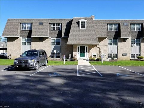 2208 Canfield Rd Apt 11, Youngstown, OH 44511