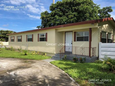 Photo of 2400 Nw 31st Ave, Fort Lauderdale, FL 33311