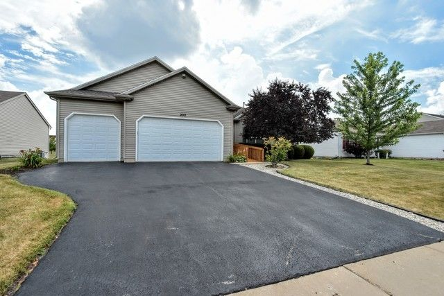 2001 Midday Dr Zion, IL 60099