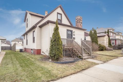 1325 Cleveland Ave, Racine, WI 53405