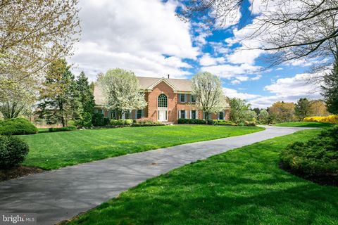 Photo of 702 Commonwealth Dr, Moorestown, NJ 08057