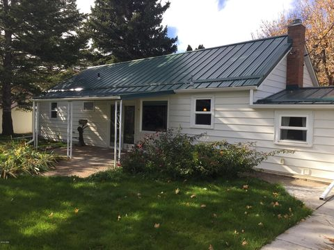 558 E Hunter Rd, Sand Coulee, MT 59472