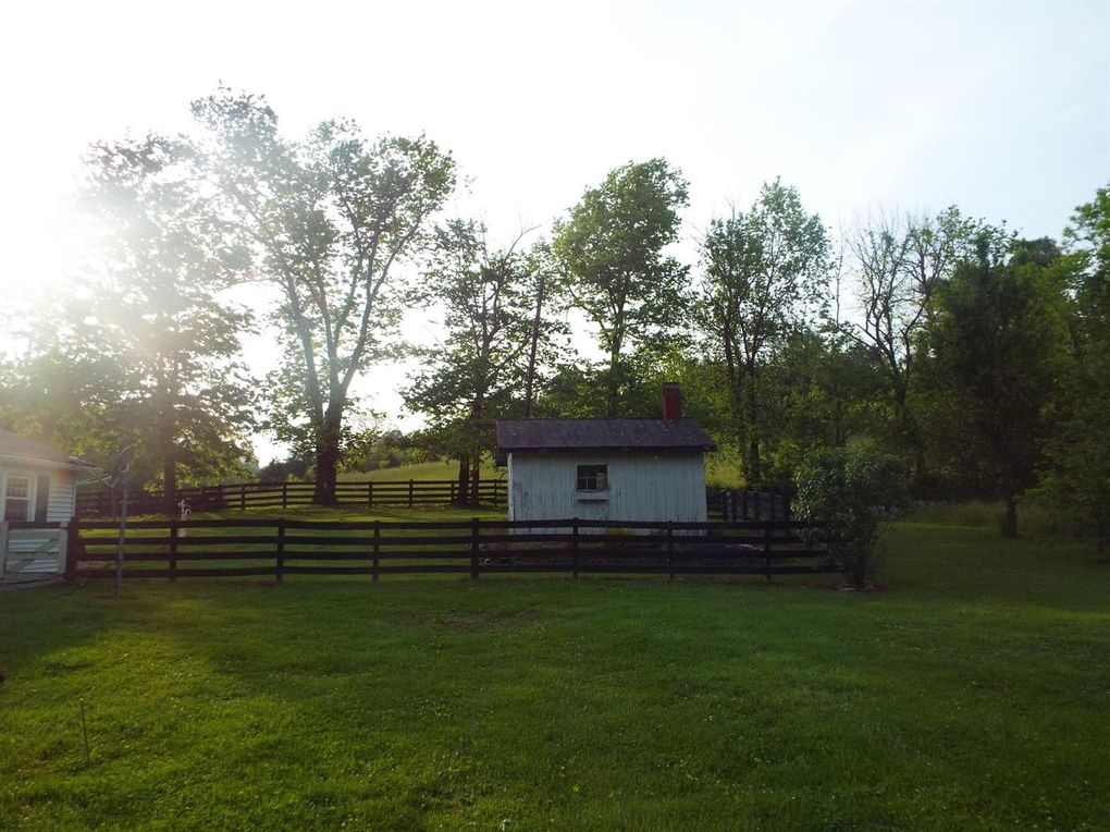 Homes For Sale With Large Farm Style Kitchen Site Realtor Com