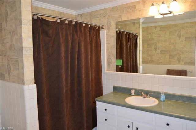 Bathroom Tiles Rockingham 3300 n rockingham rd, greensboro, nc 27407 - realtor®