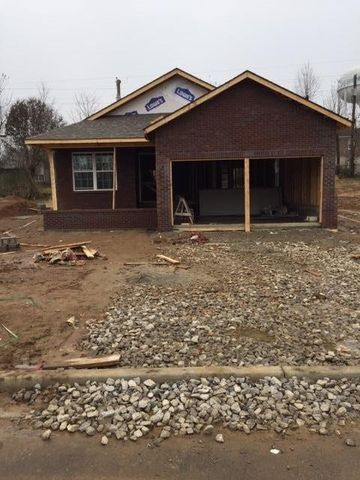 Photo of 129 Dallas Dr, Nicholasville, KY 40356