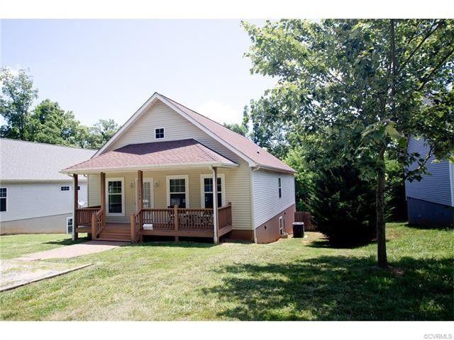 306 Cedar St, Farmville, VA 23901