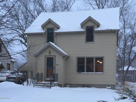 Photo of 811 S Prairie Ave, Fairmont, MN 56031
