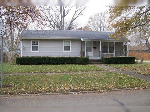 302 N 7th St, Fairbury, IL 61739