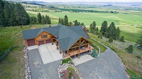 Photo of 46601 Foothill Rd, Baker City, OR 97833
